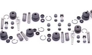 Kits de réparation de maitres cylindres de freins arrières.